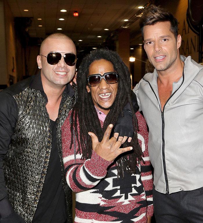 Wisin (izq.), Tego Calderón y Ricky Martin.