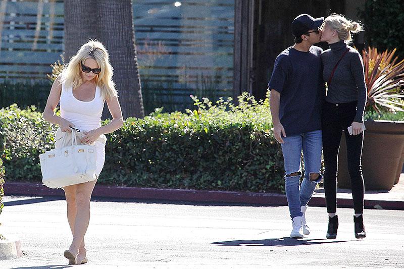 Pamela Anderson, Brandon Lee, Míralos
