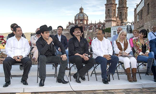 Omar Jalil Flores, Julián Figueroa, José Manuel Figueroa, Héctor Astudillo Flores, Carla Estrada, y Livia Brito