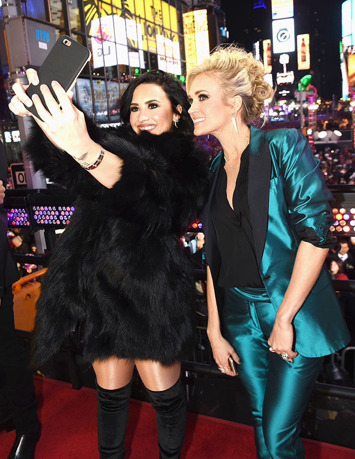 Demi Lovato y Carrie Underwood