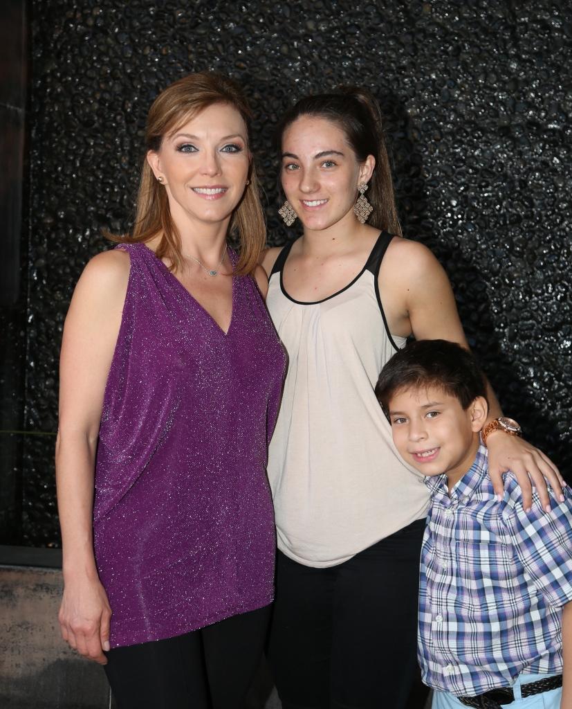 Laura Flores y hija
