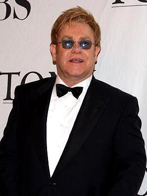 Elton John, Clóset