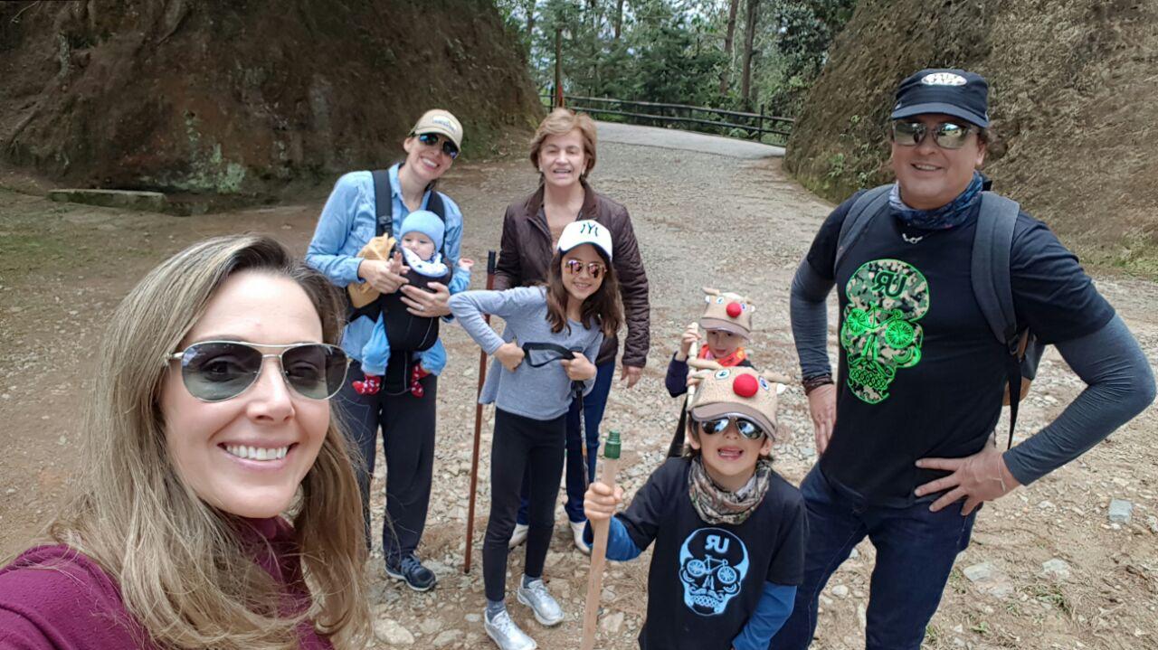 Carlos Vives con su familia