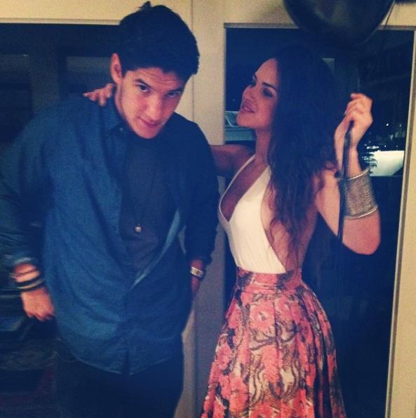 Aria Arjona con su hermano Ricardo Arjona Jr.