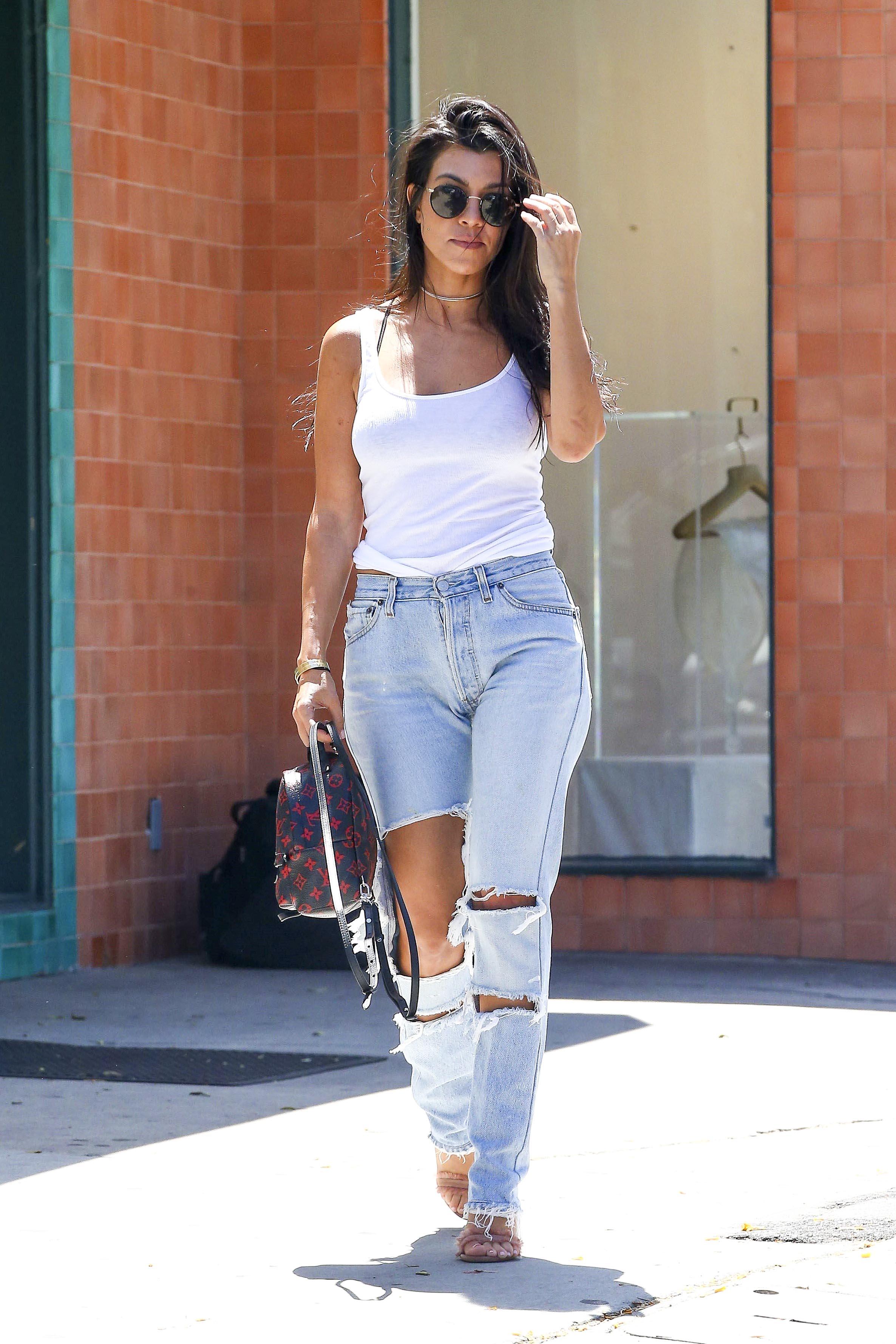 Kourtney Kardashian, jeans, look