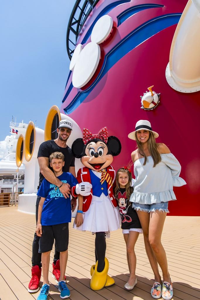 Elizabeth Gutiérrez y William Levy con sus hijos Christopher y Kailey