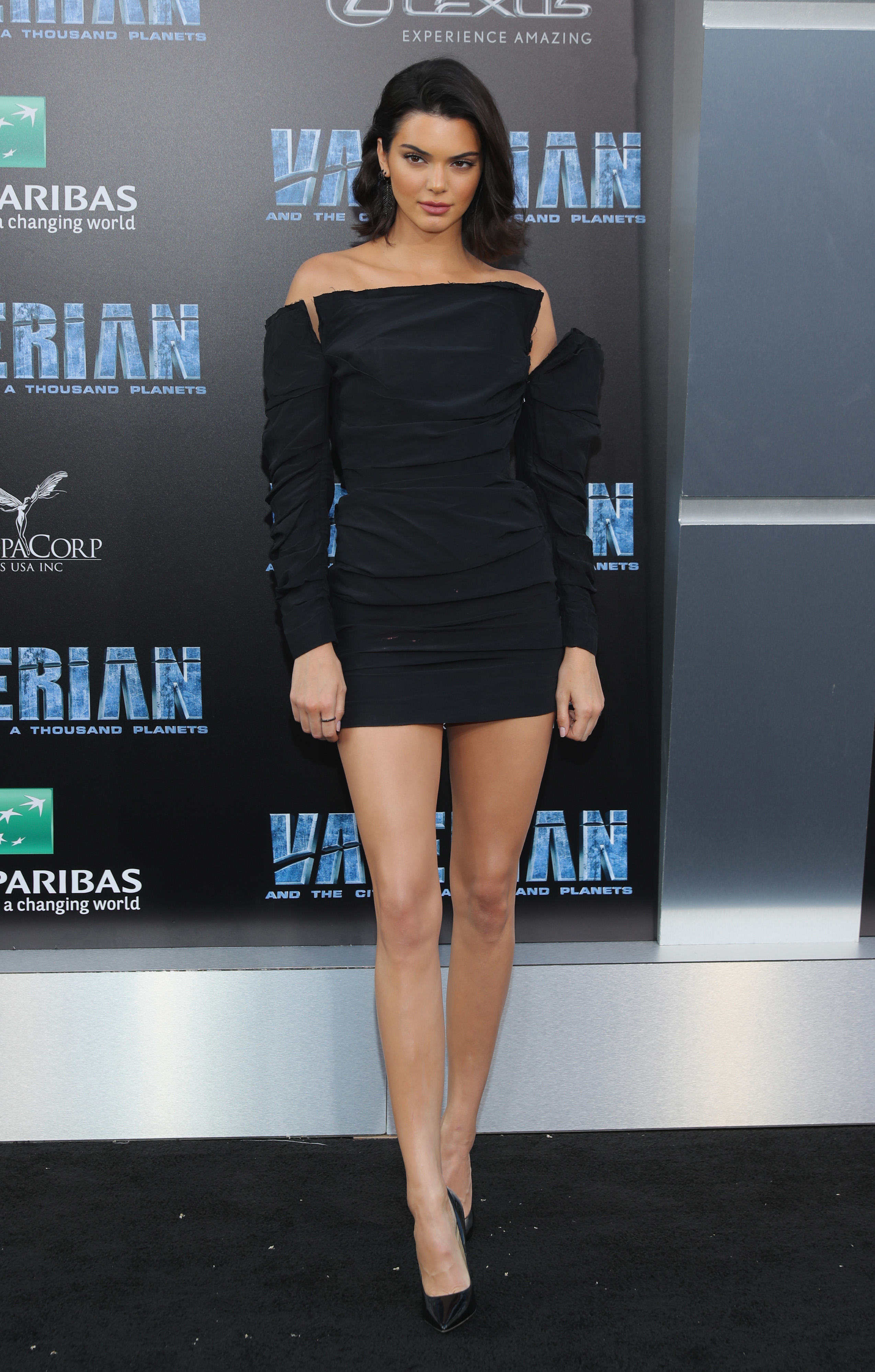 Kendall Jenner, premier, pelicula, looks, style, estilo, Valerian and The City of a Thousand Planets