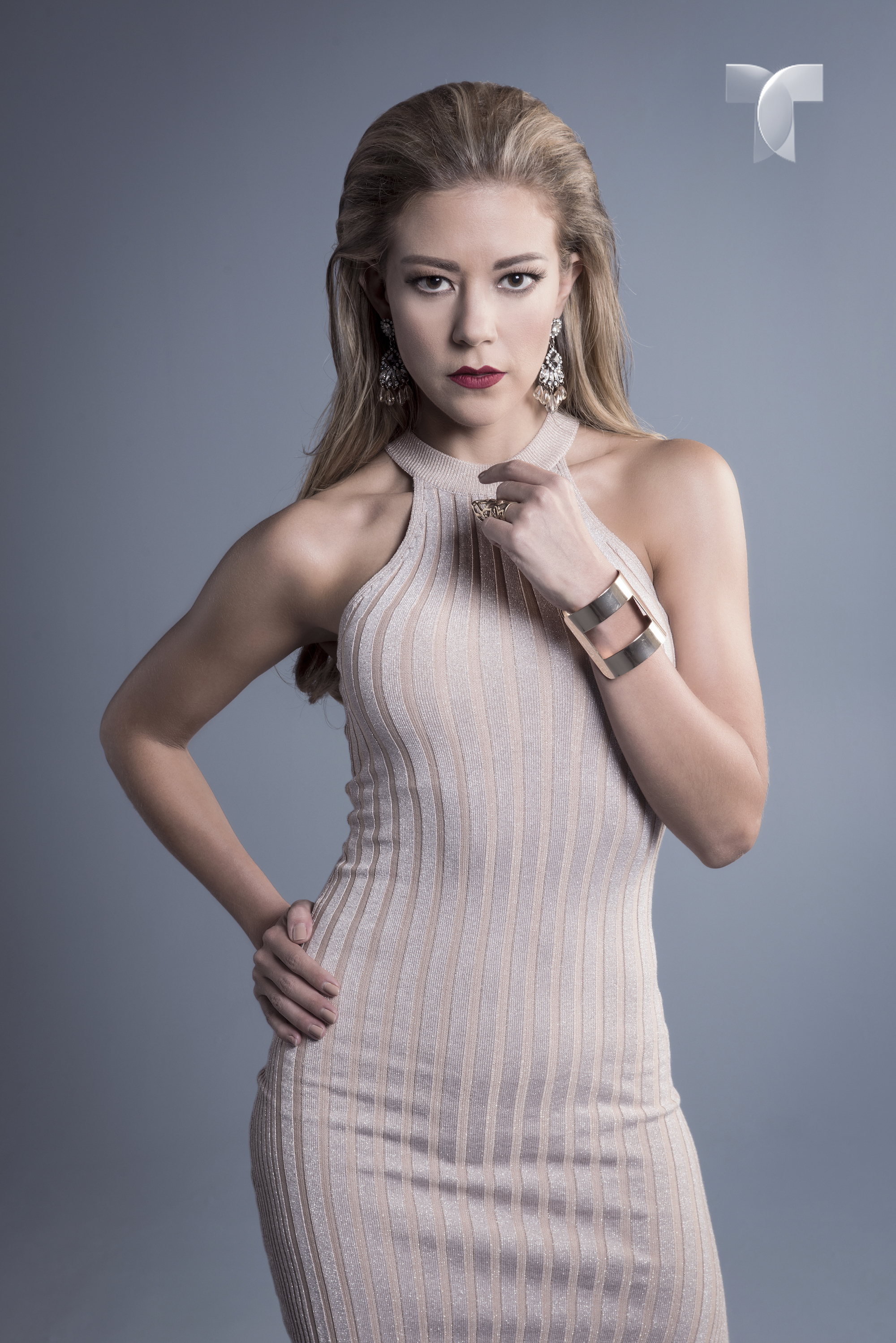 _ESDLC_Fernanda Castillo como Monica Robles_006 copy copia