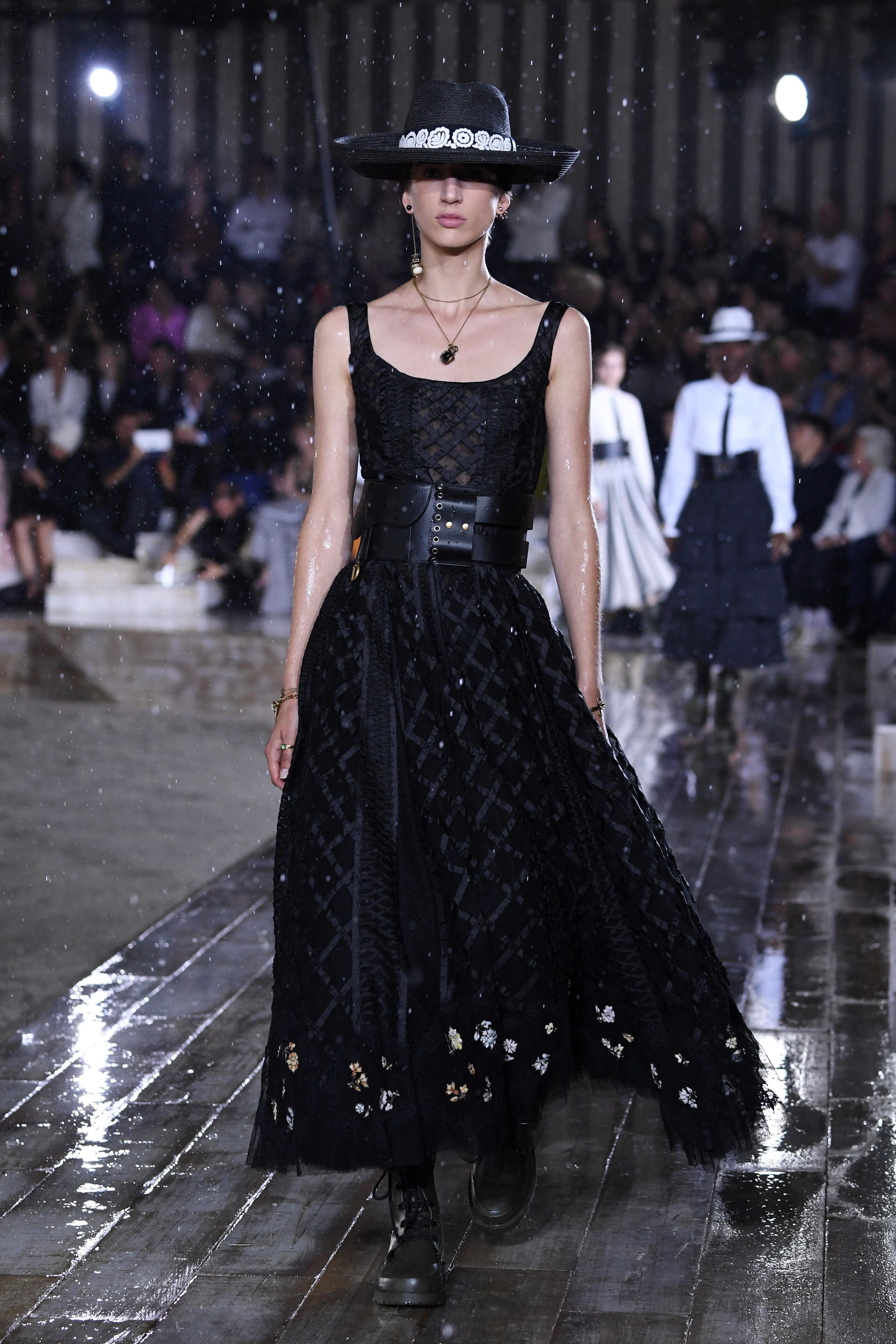 Dior, desfile, resort, coleccion, paris, escaramuzas, mexicanas