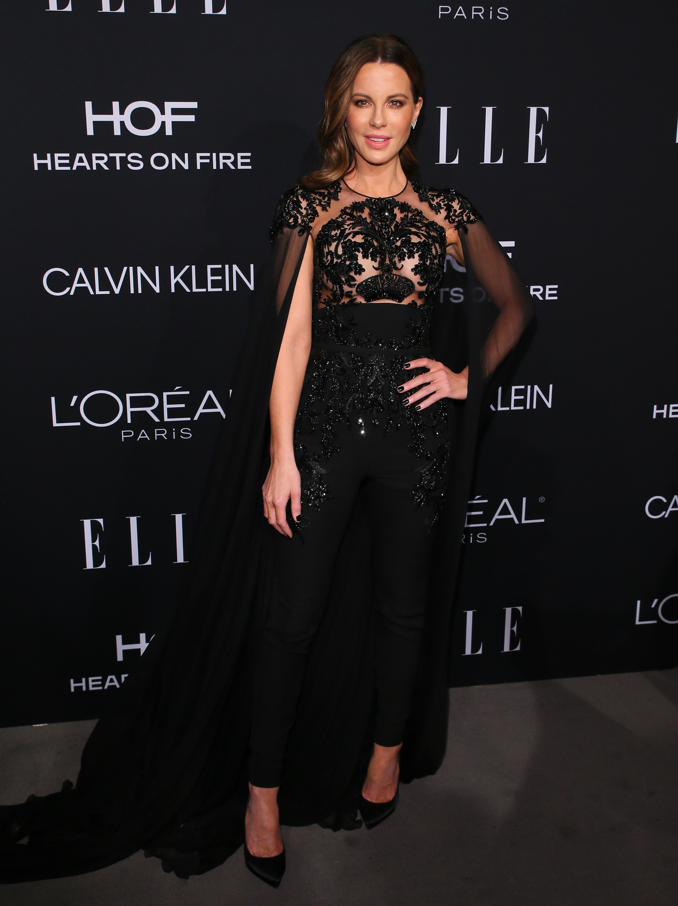 Kate Beckinsale, looks