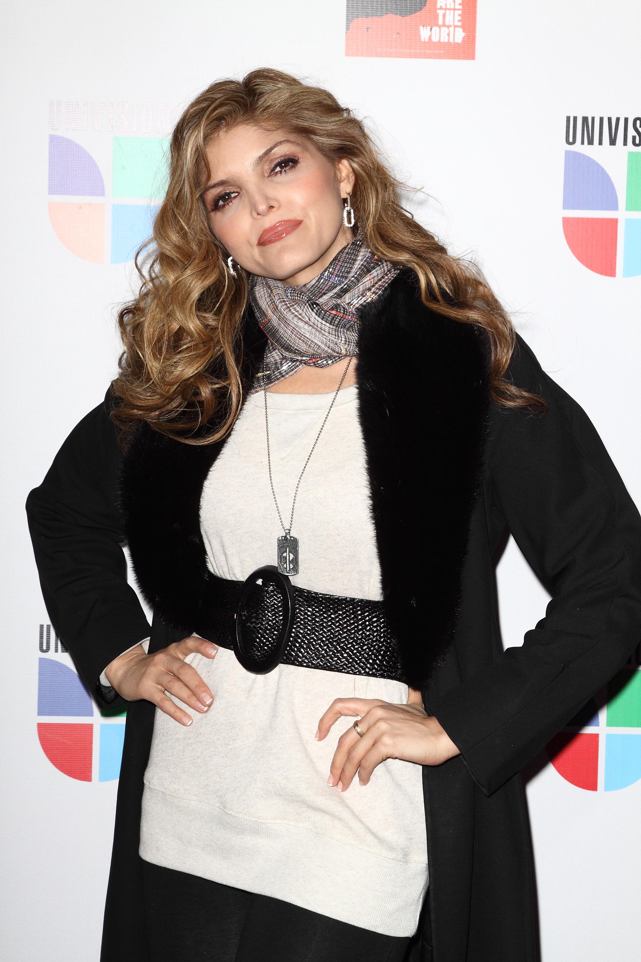 Ana Bárbara Viviana Ugalde la cantante ana bárbara recuerda a hermana que murió