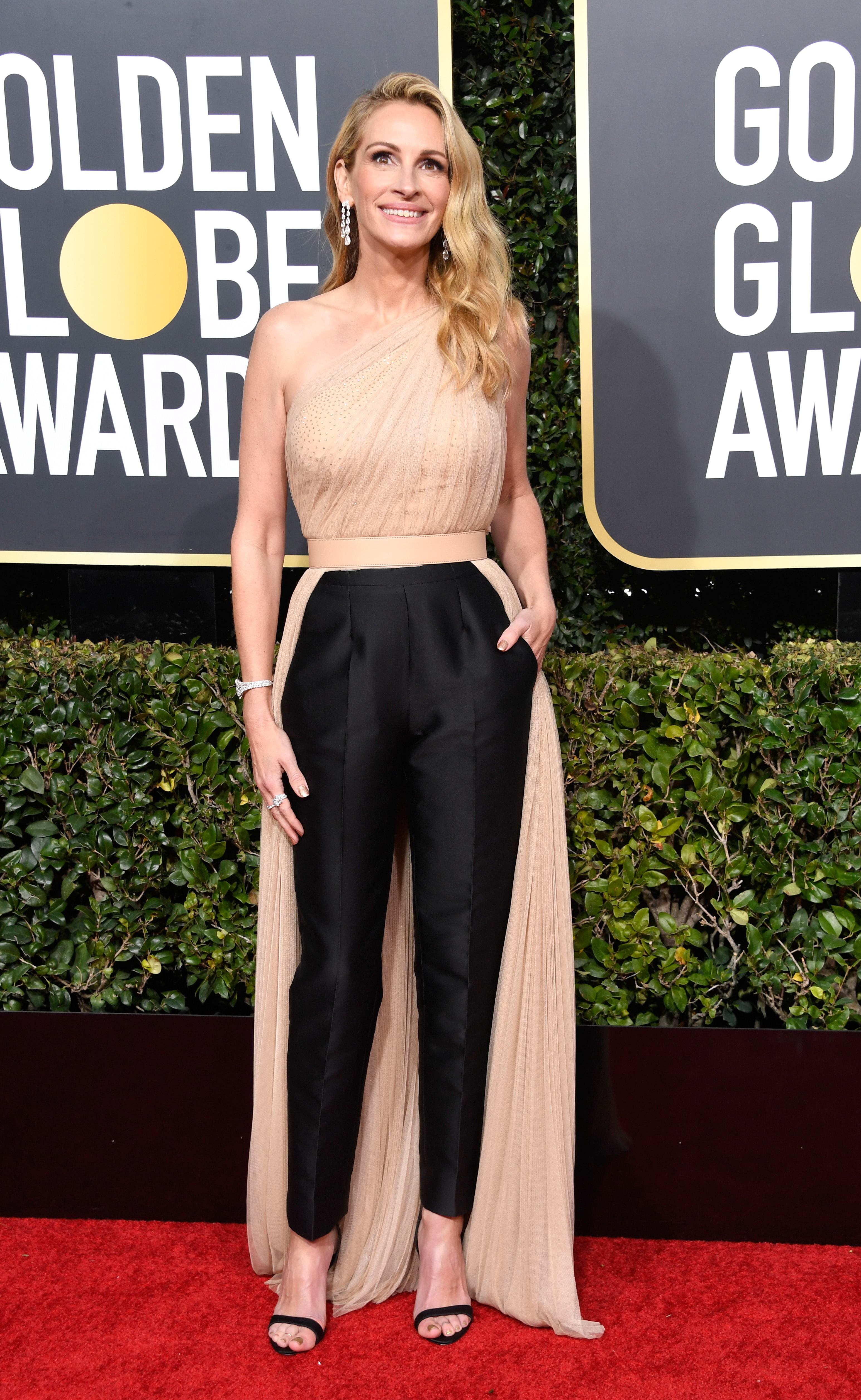 Julia Roberts, look, golden globes, 2019