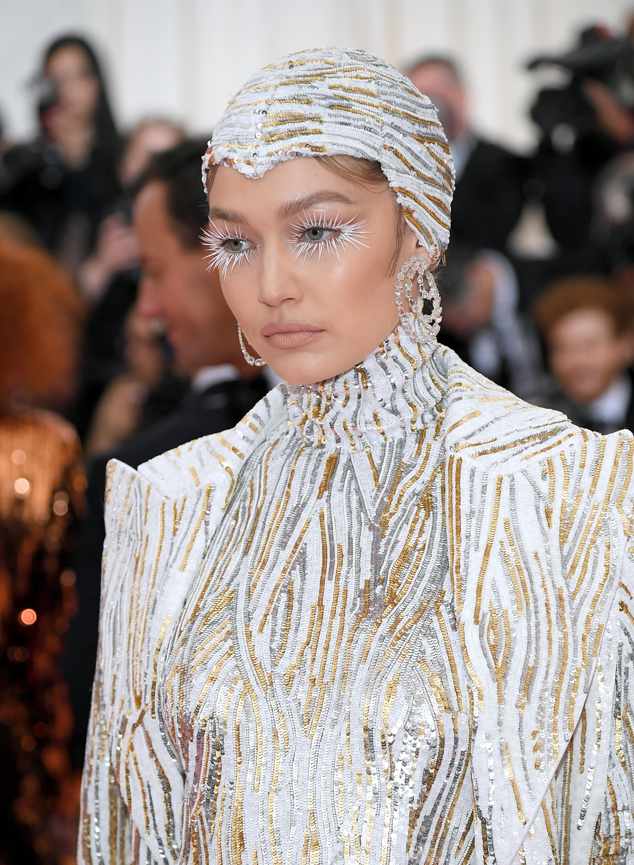 Gigi Hadid, look, belleza, met gala, 2019