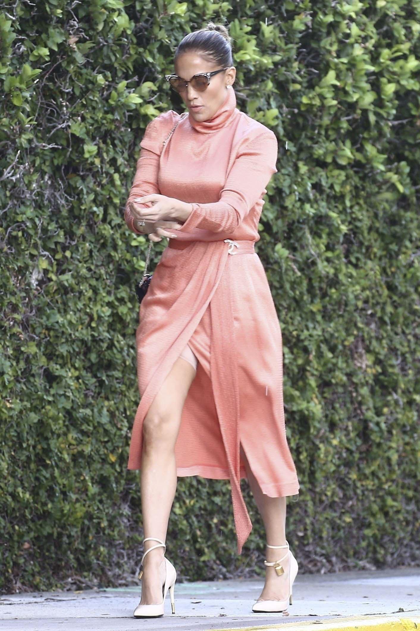 Jennifer Lopez Muestra Su Faja En Un Descuido People En