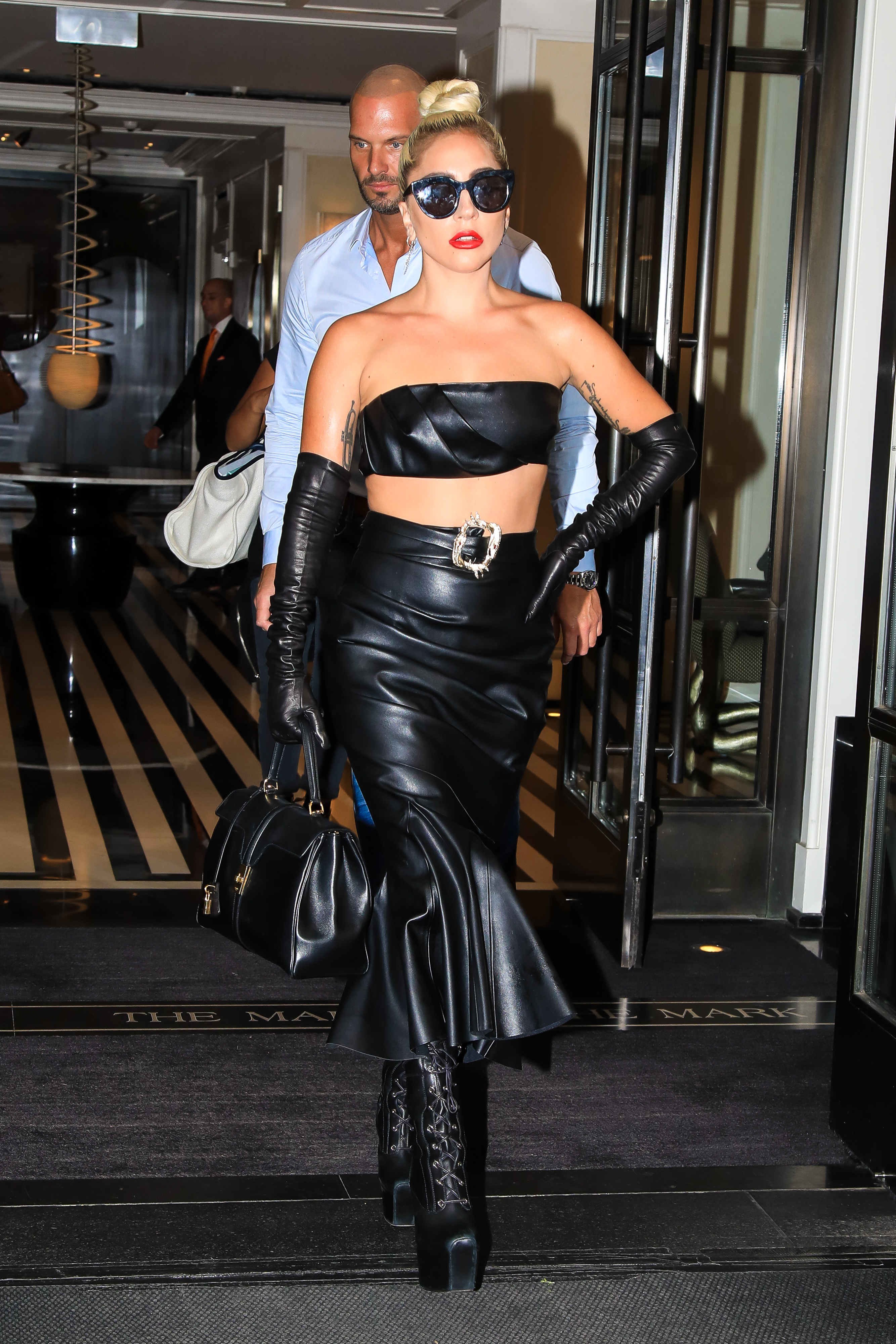 Lady Gagy, look, New York, set de cuero, verano
