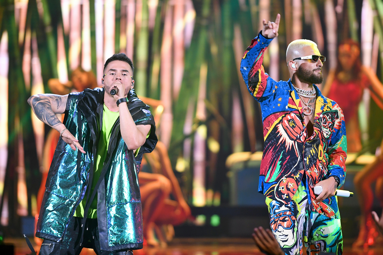 Reykon y Maluma en premios juventud