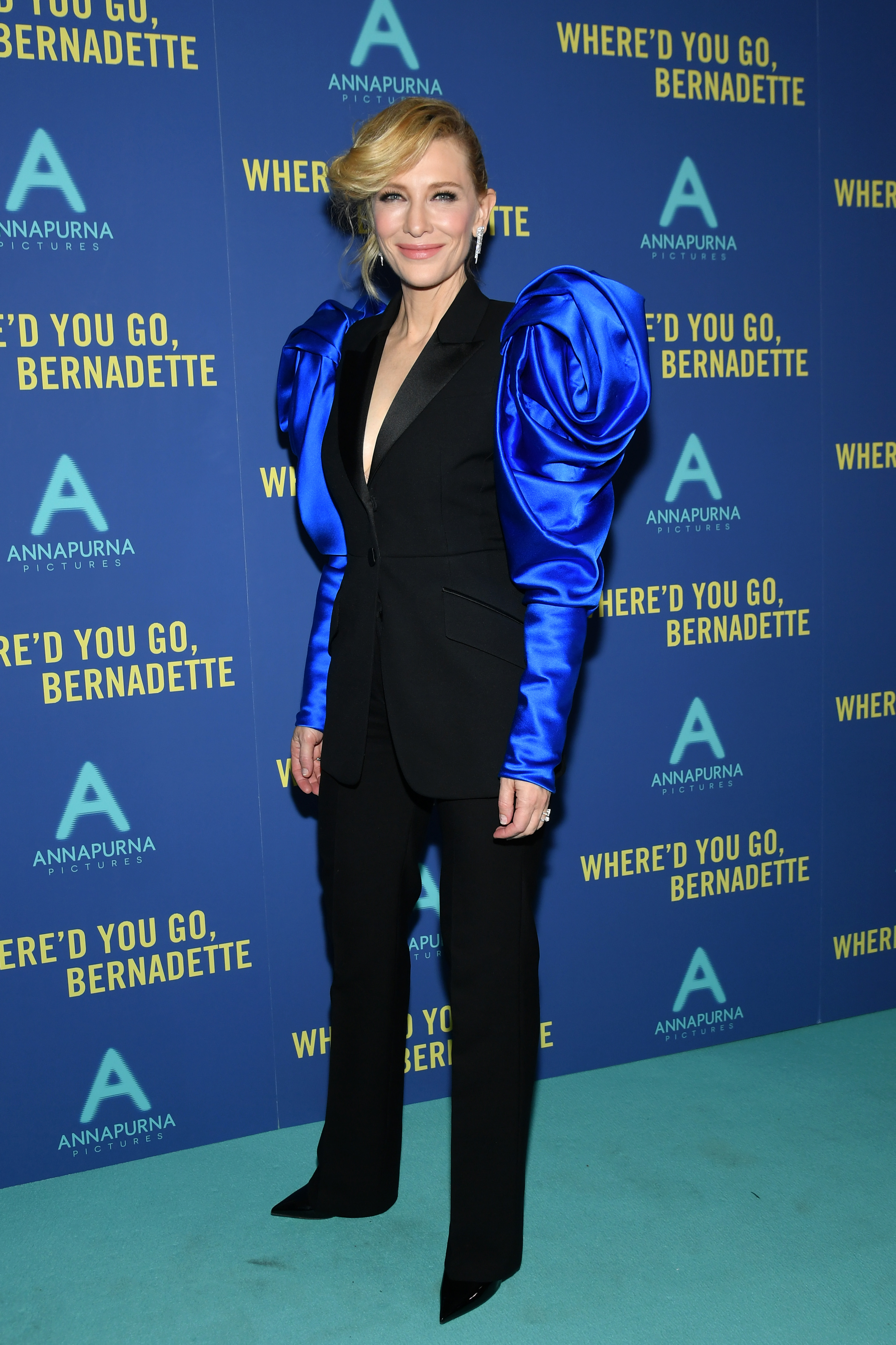 Cate Blanchett, looks