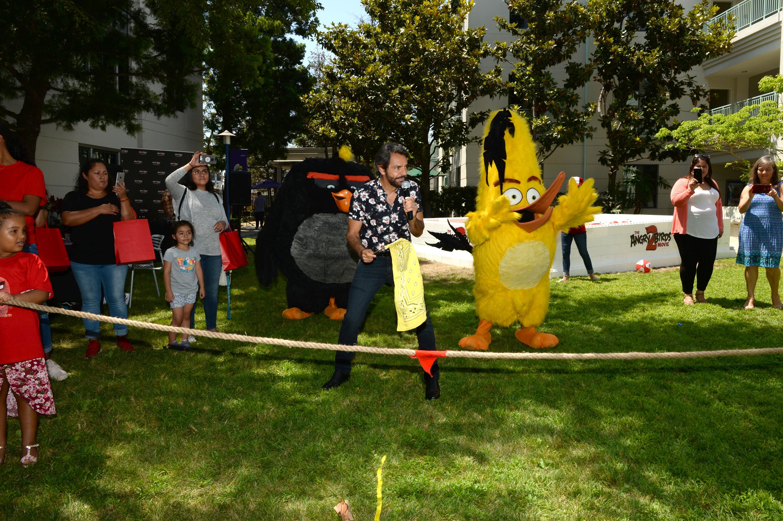 Eugenio Derbez evento The Angry Birds Movie 2 culver city california