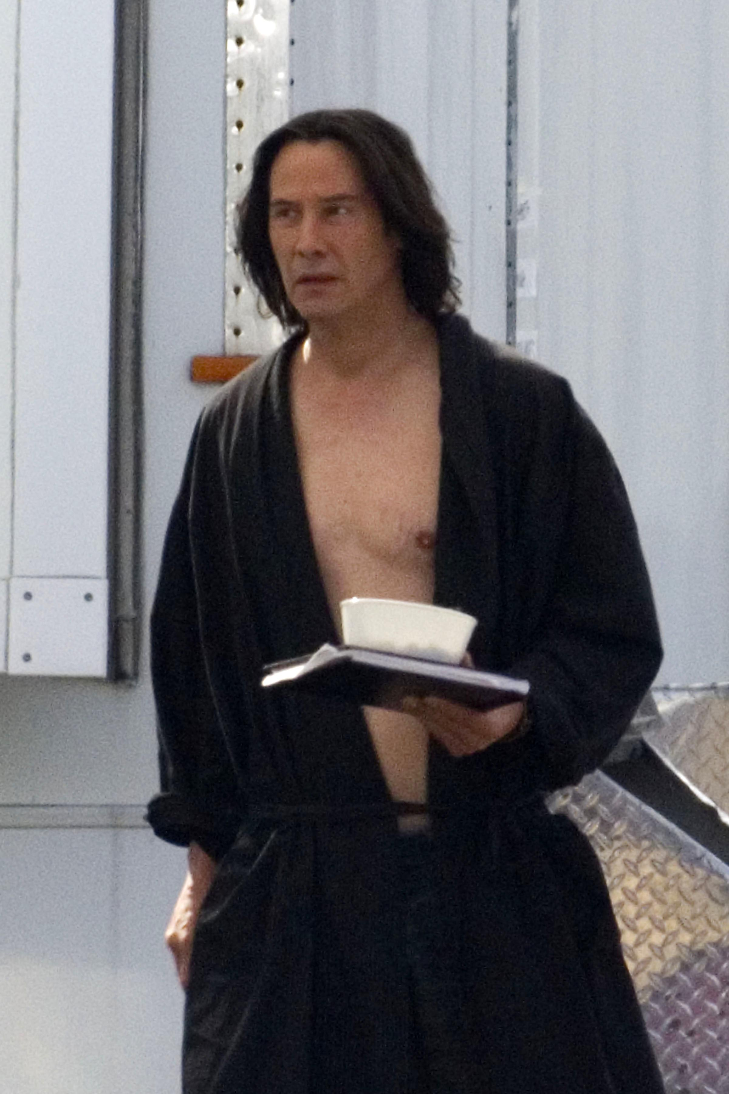 Keanu Reeves set Bill and Ted 3