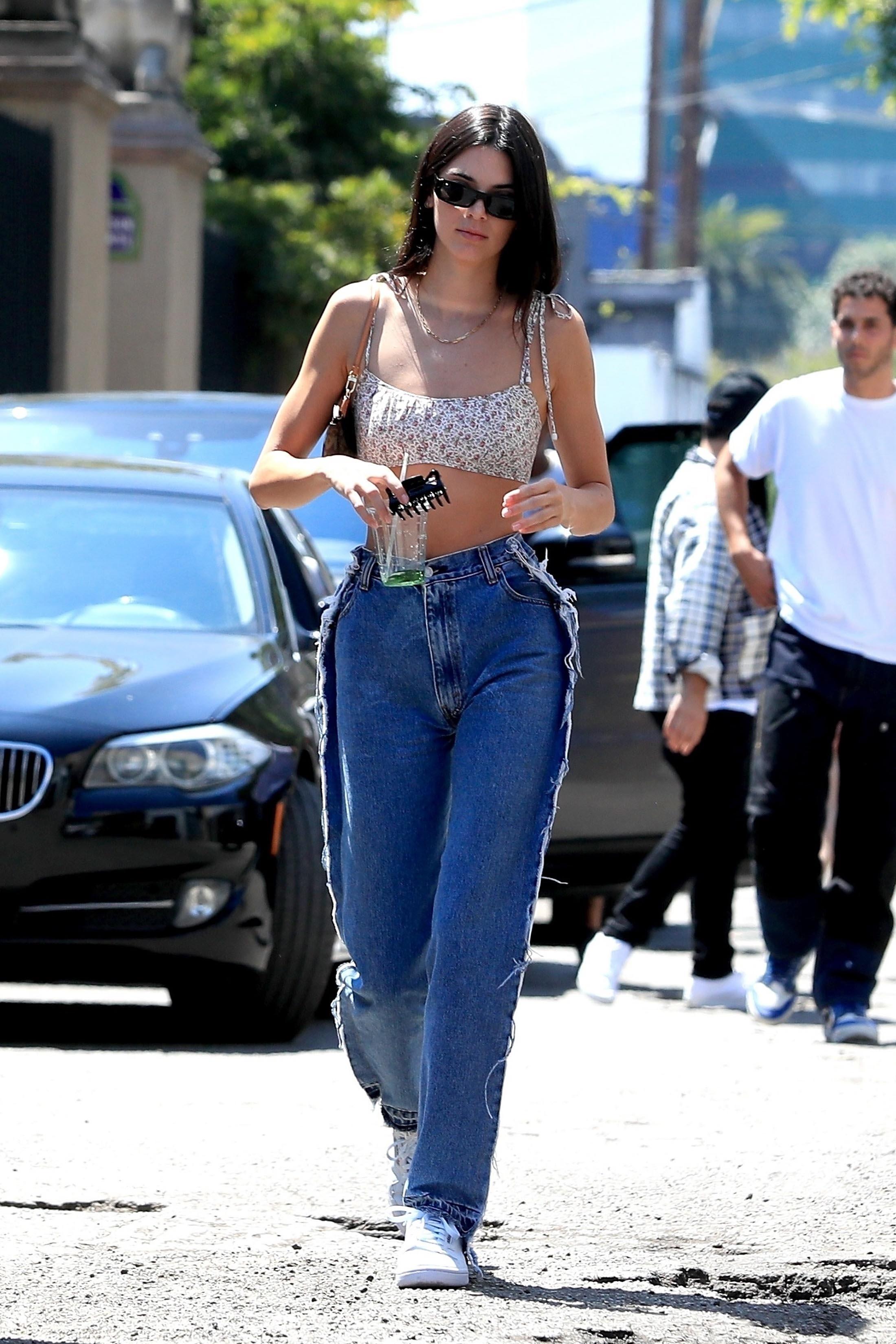 Kendall Jenner, looks