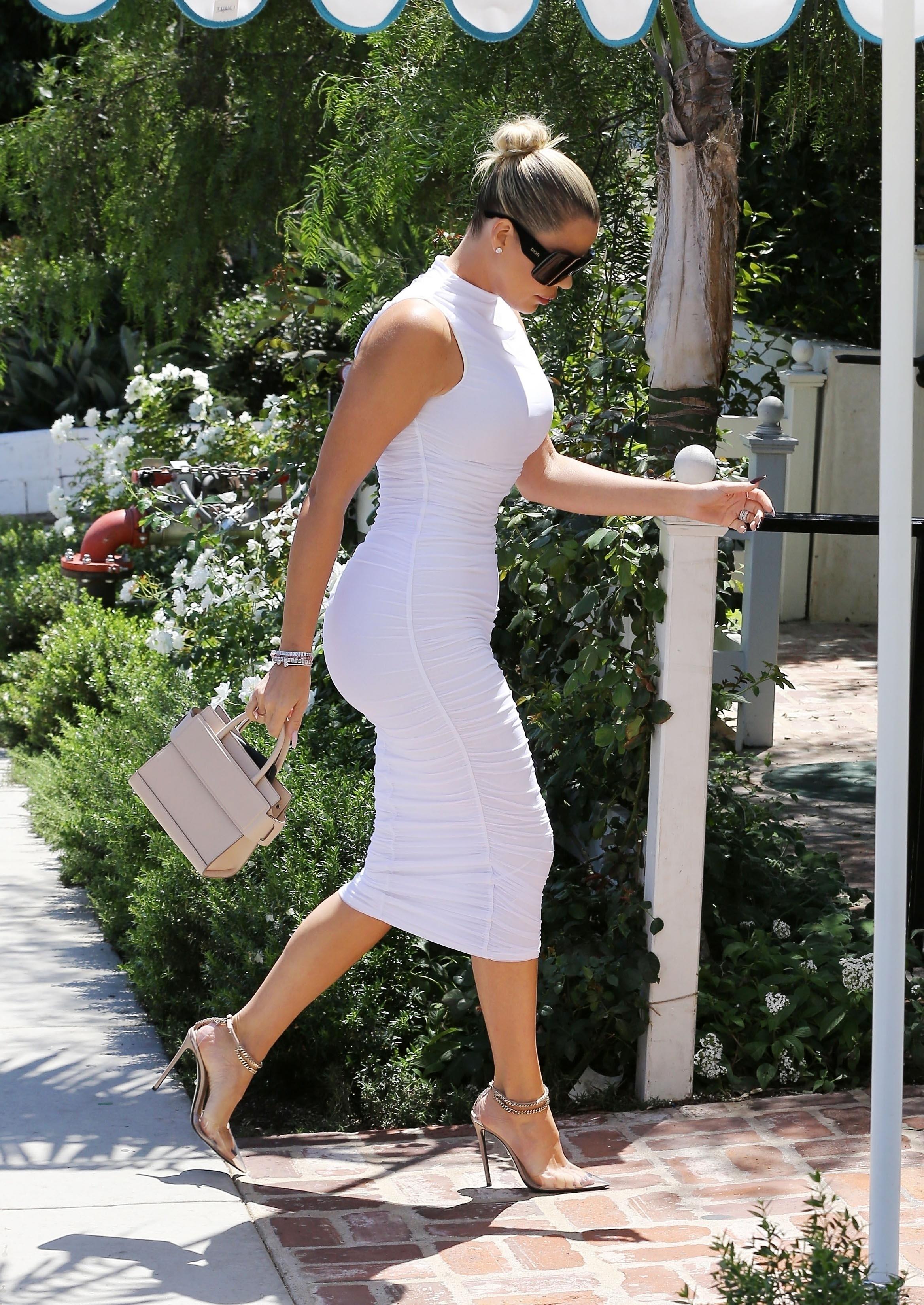 Khloe Kardashian, looks, flaca