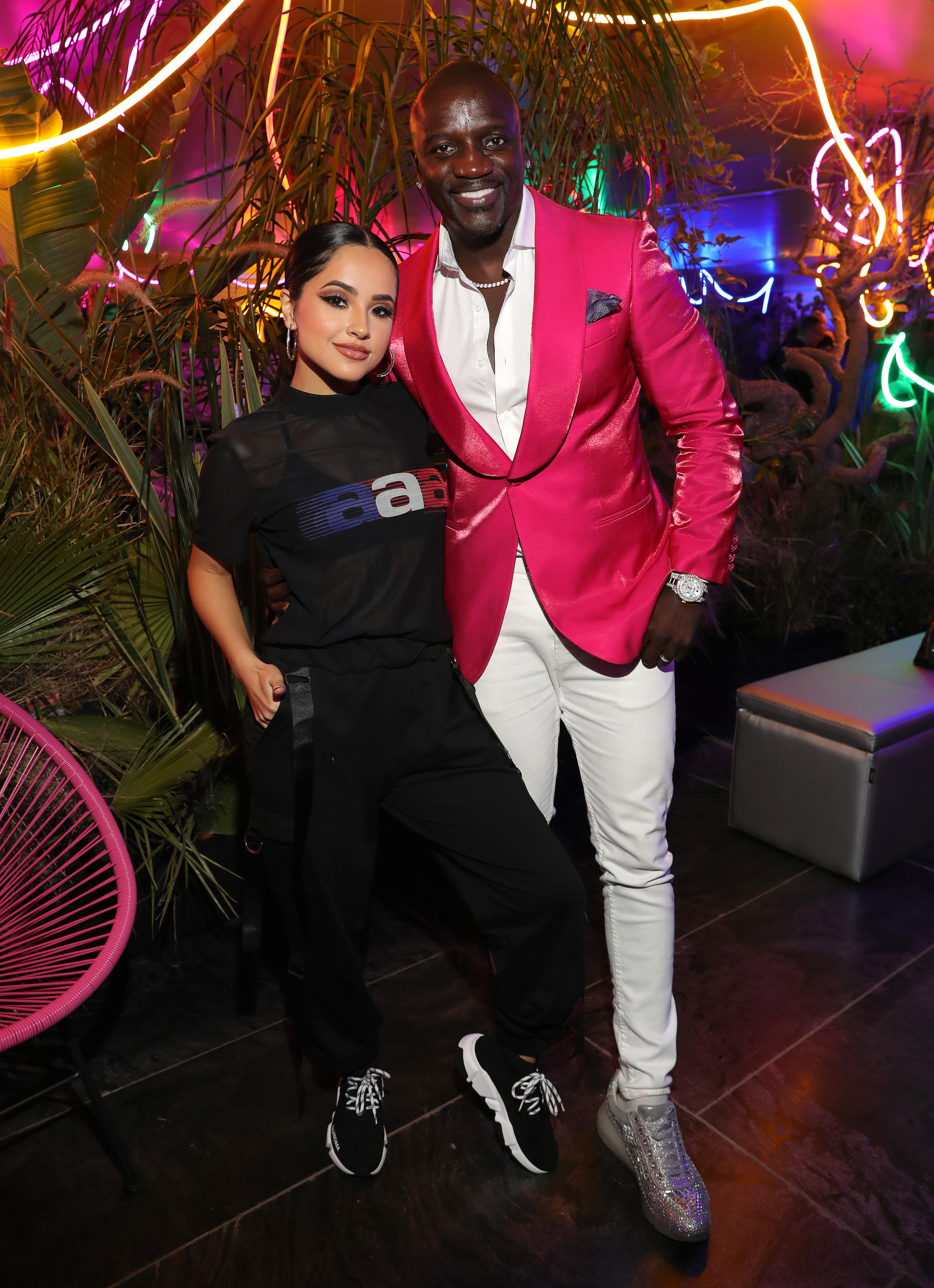 Becky G y Akon MTV EMAs 2019 en Sevilla, España.
