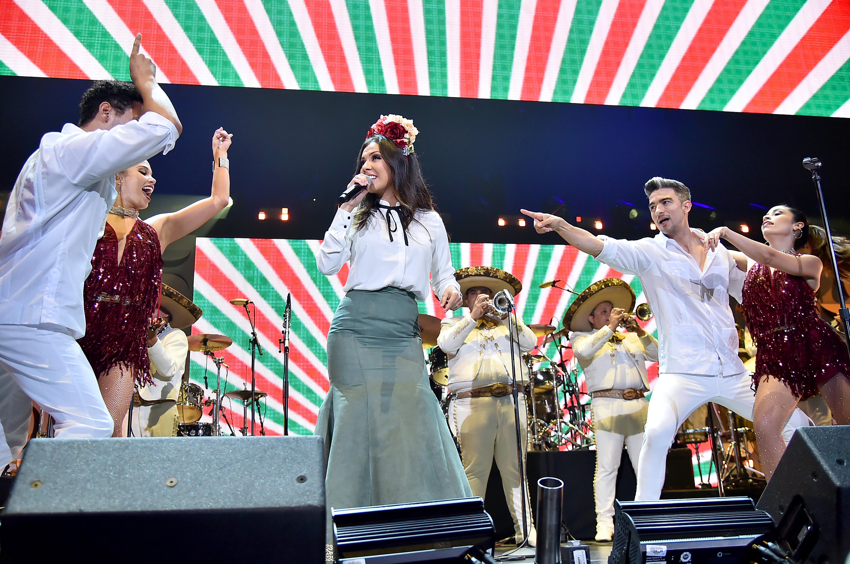 2019 iHeartRadio Fiesta Latina - Show
