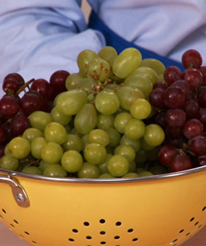 How To Buy And Store Grapes Video And Steps Real Simple