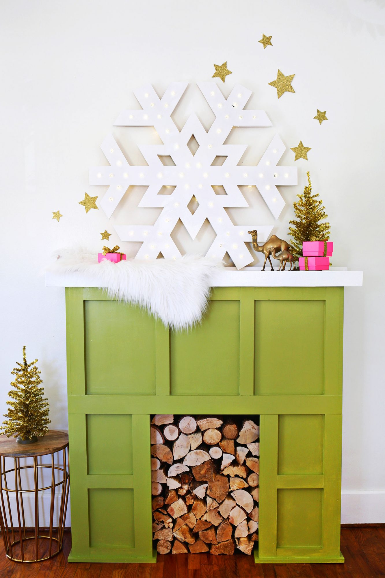 20 Fake Fireplace Ideas You Can DIY If You Don't Have a Mantel ...