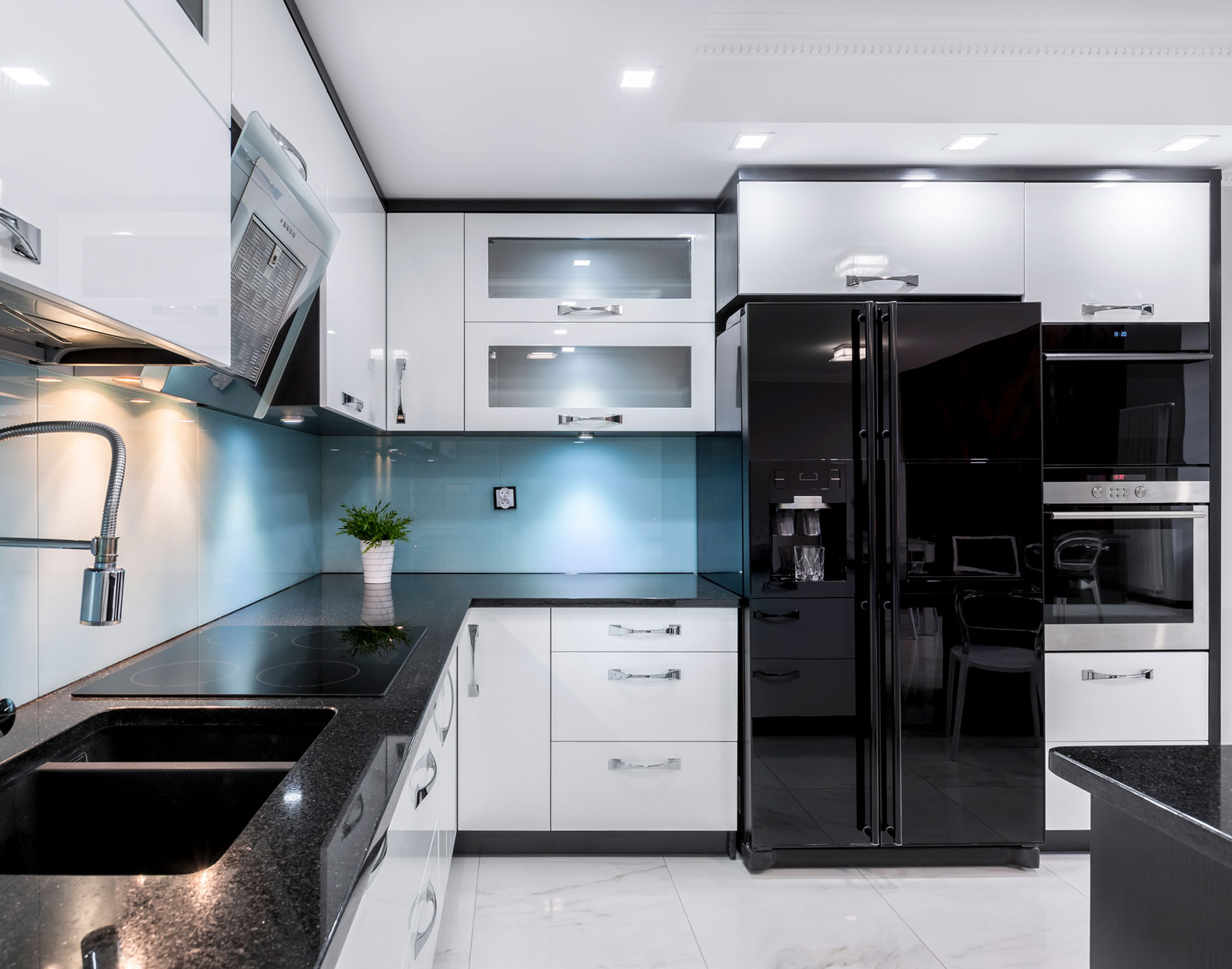 Black Stainless Steel Appliances Are The Hot Kitchen Trend We Ve Been Waiting For Real Simple