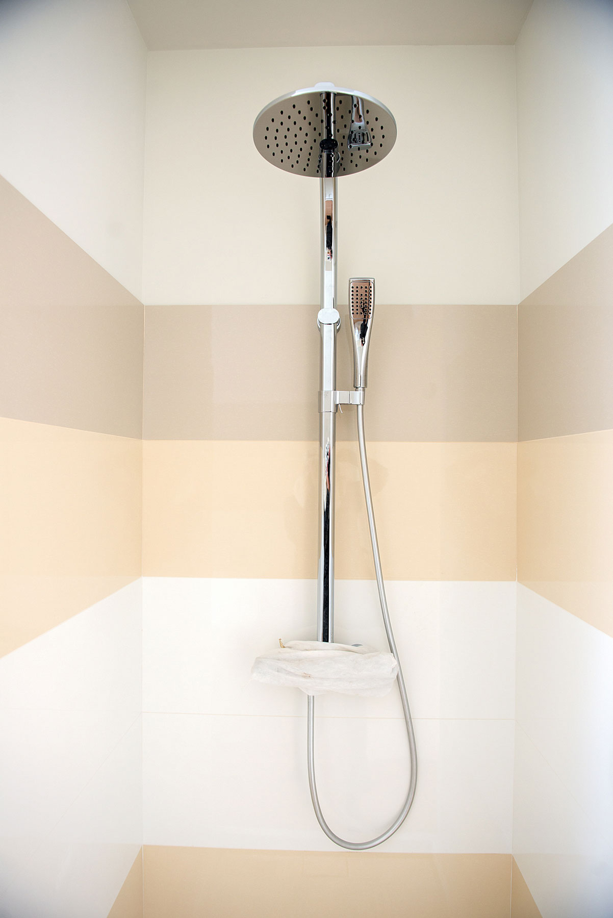 Proof You Should Hop on the Exposed Pipe Shower Trend ASAP | Real