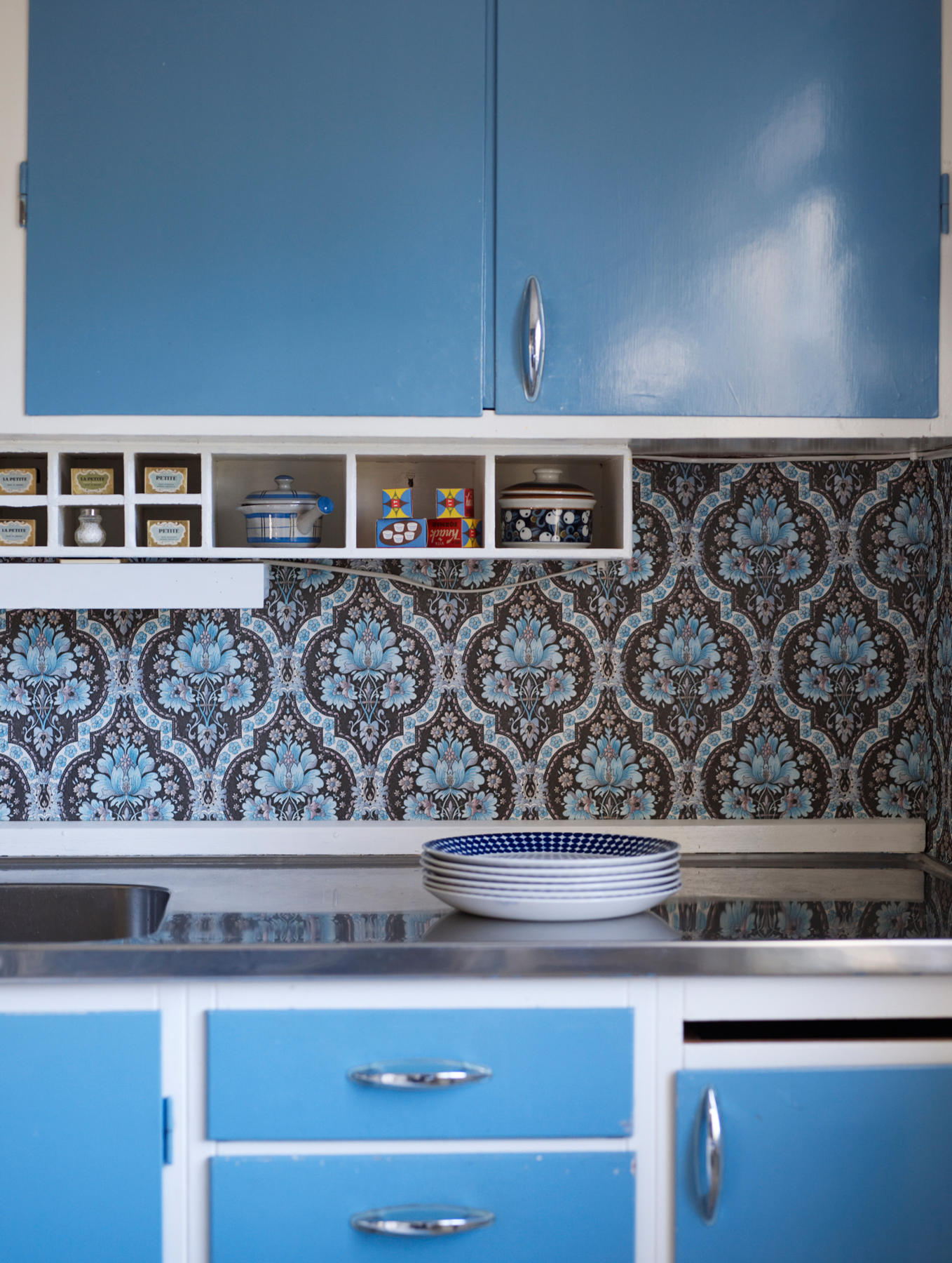 Vintage And Retro Kitchen Decor Ideas To Try Real Simple