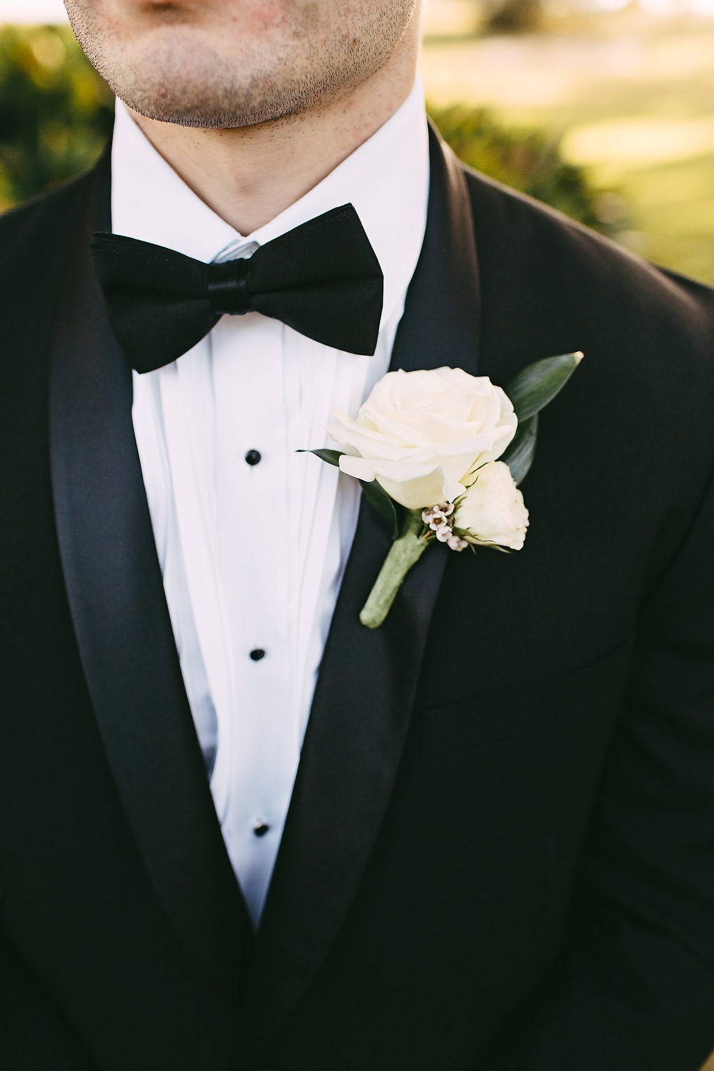 groom/'s boutonniere