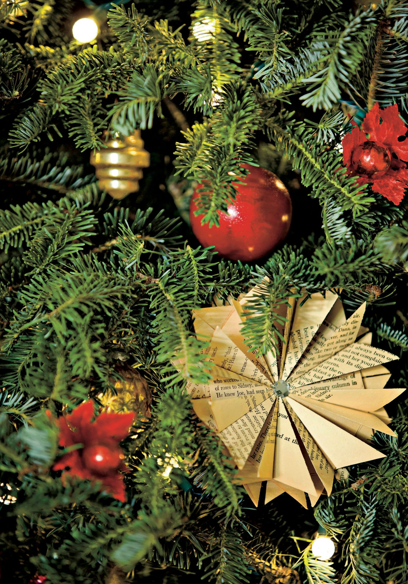 10 Ways To Personalize Christmas Ornaments Southern Living