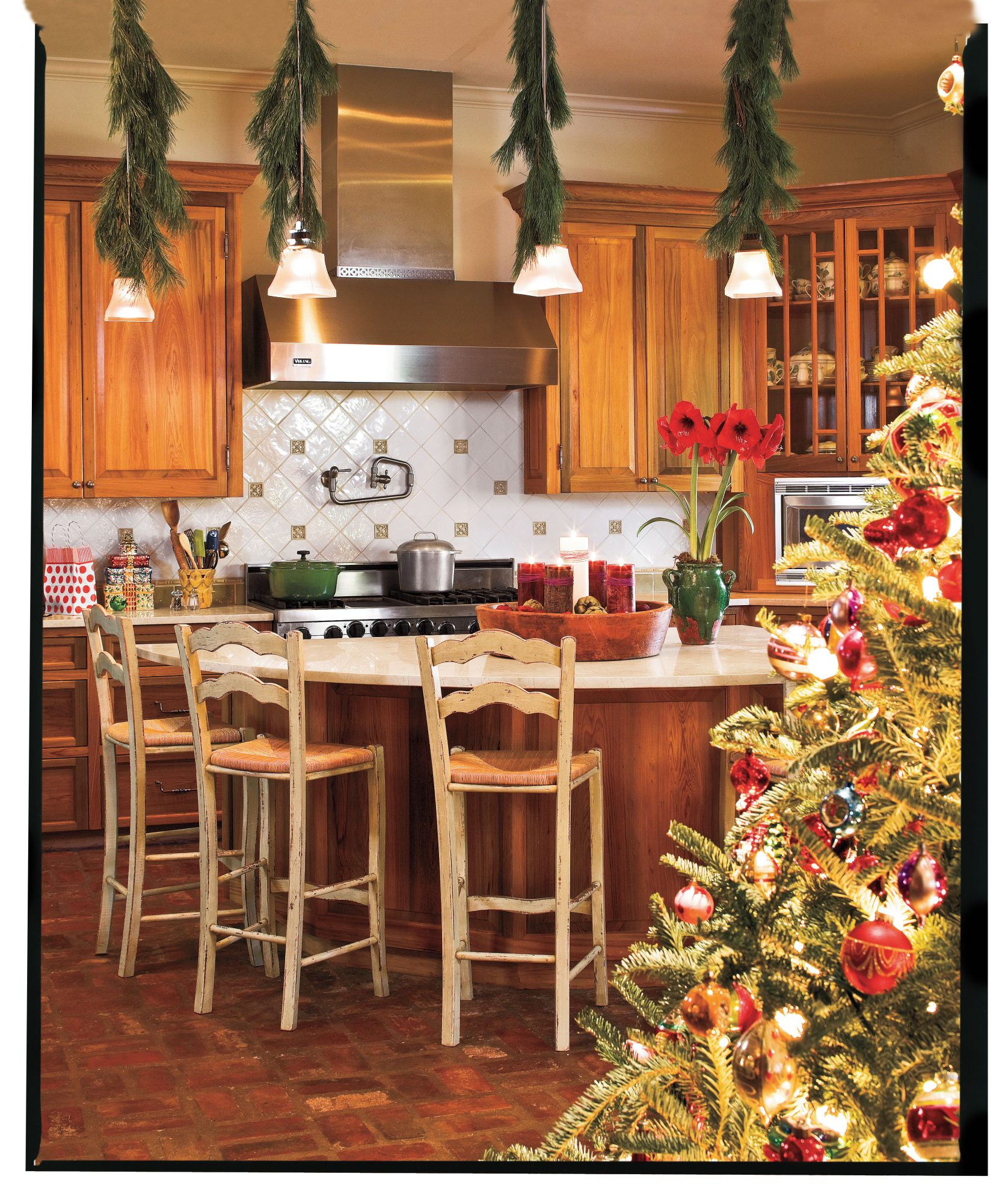 100+ Best-Ever Christmas Decorating Ideas for 2019 ... on christmas plans, train plans, halloween plans, temple plans, sheep plans, outdoor wooden manger plans, birth plans, church plans, life plans, marriage plans, sleigh plans,
