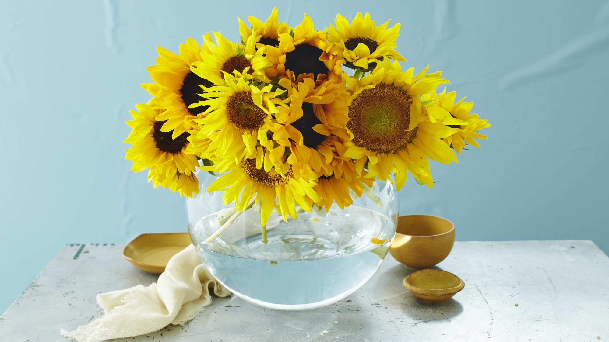 These Sunflower Centerpieces Will Brighten Up Your Breakfast Table Southern Living