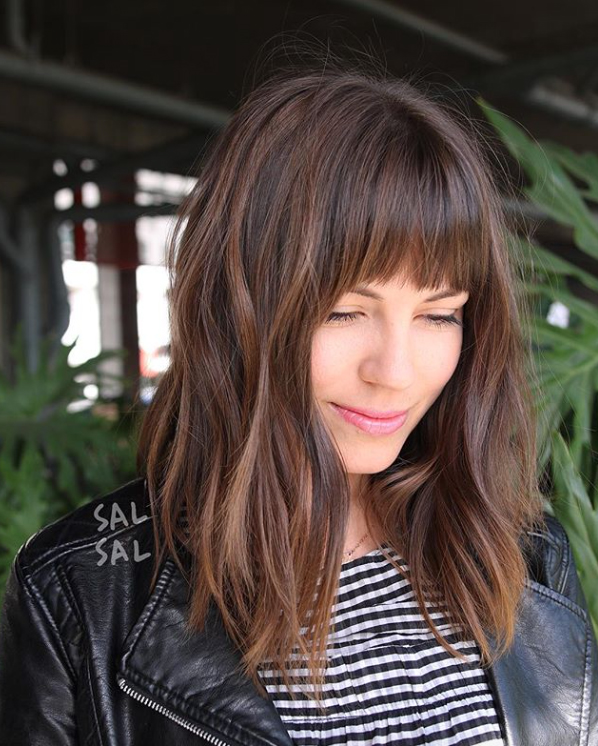 Cute Haircuts For Women With Thick Hair 19