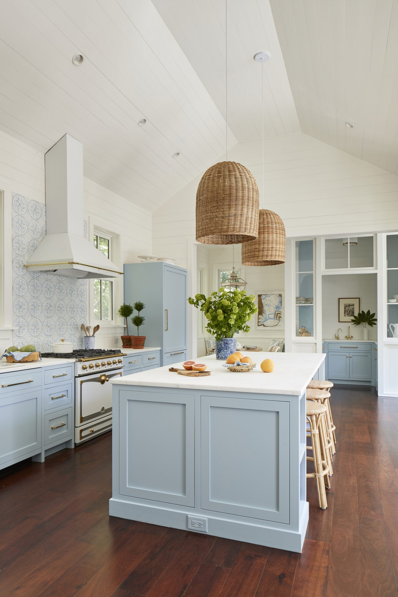 30 Kitchen Lighting Ideas That Ll Transform Your Space Southern Living
