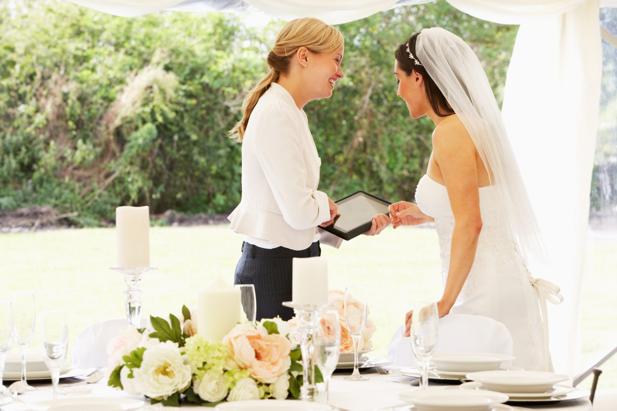 Should You Tip Your Wedding Planner Southern Living