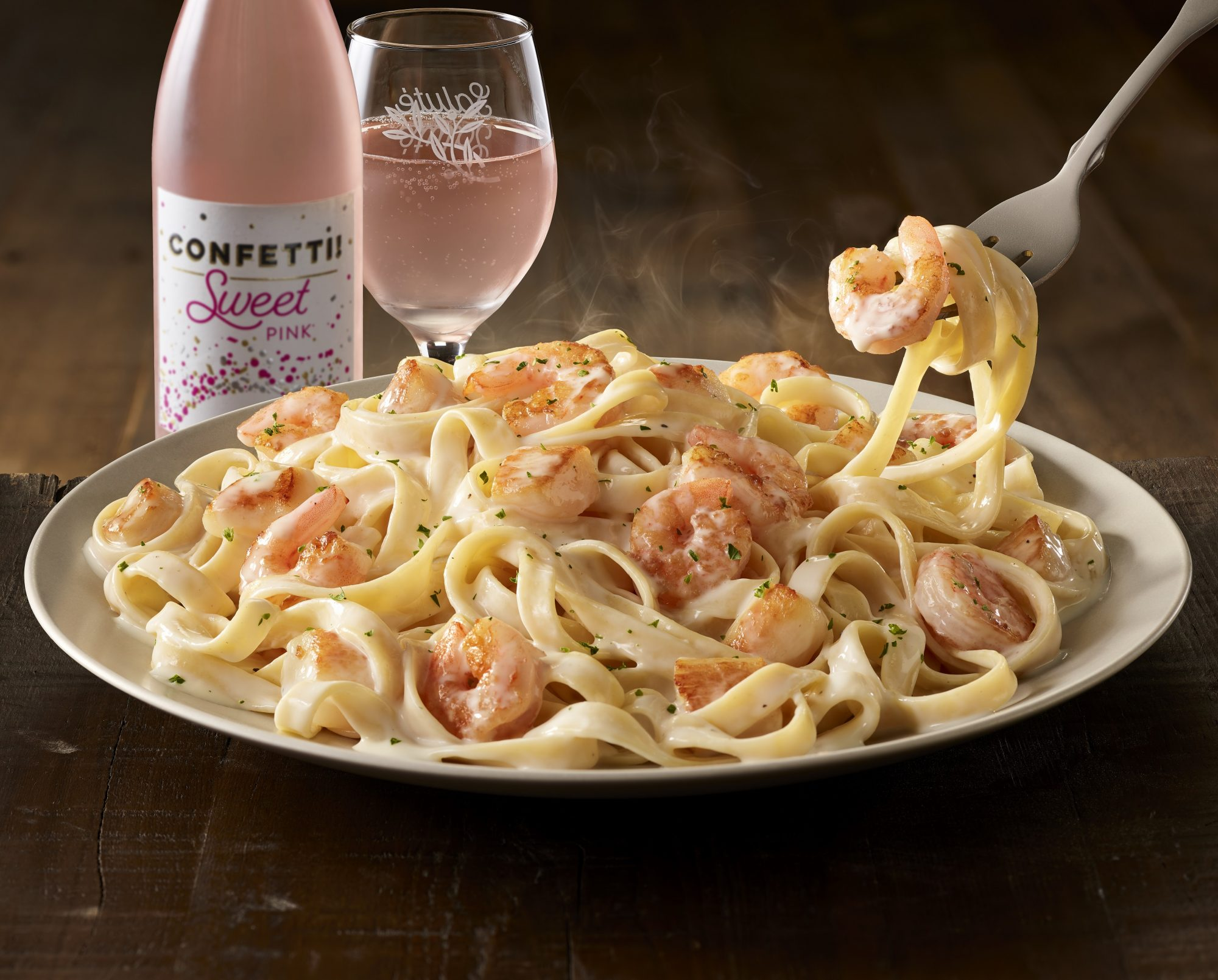 Olive Garden Exclusive Wines And Dinner Delivery Now Available Southern Living