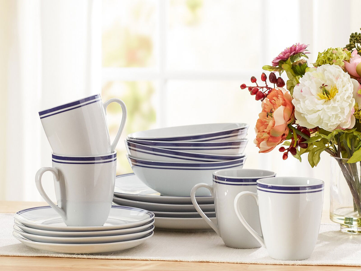 7 Tips for Selecting Dinnerware for New Homeowners