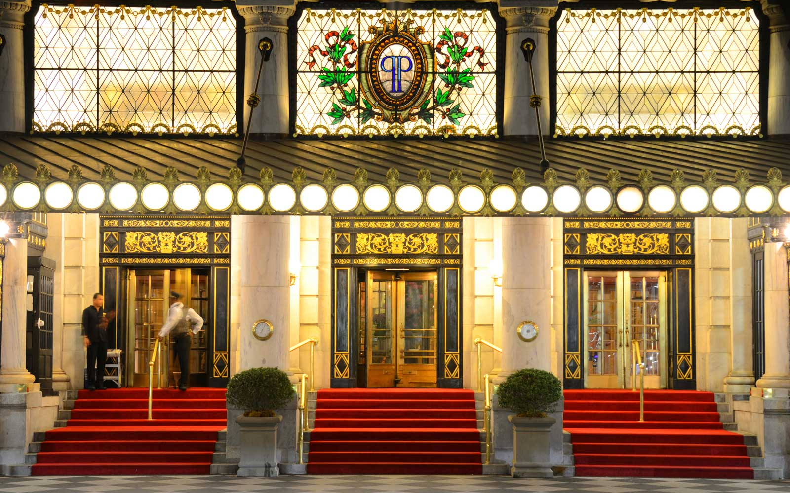 All The Best New York City Christmas Movie Locations Travel Leisure