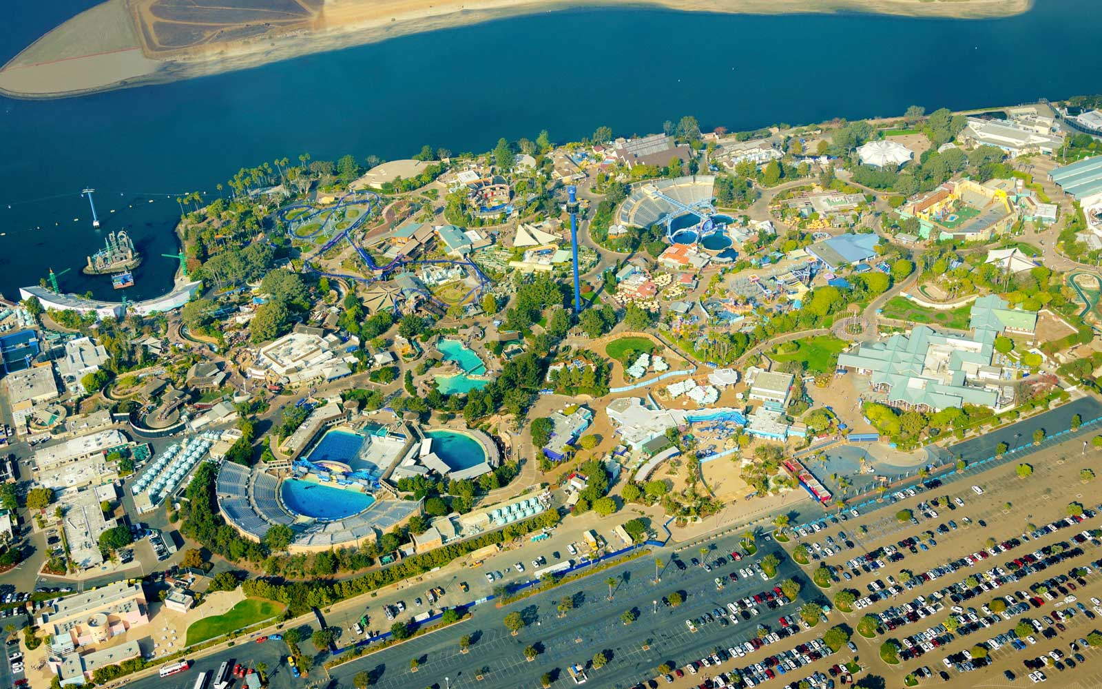 16 People Rescued From Malfunctioning Gondola Ride At Seaworld San Diego Travel Leisure