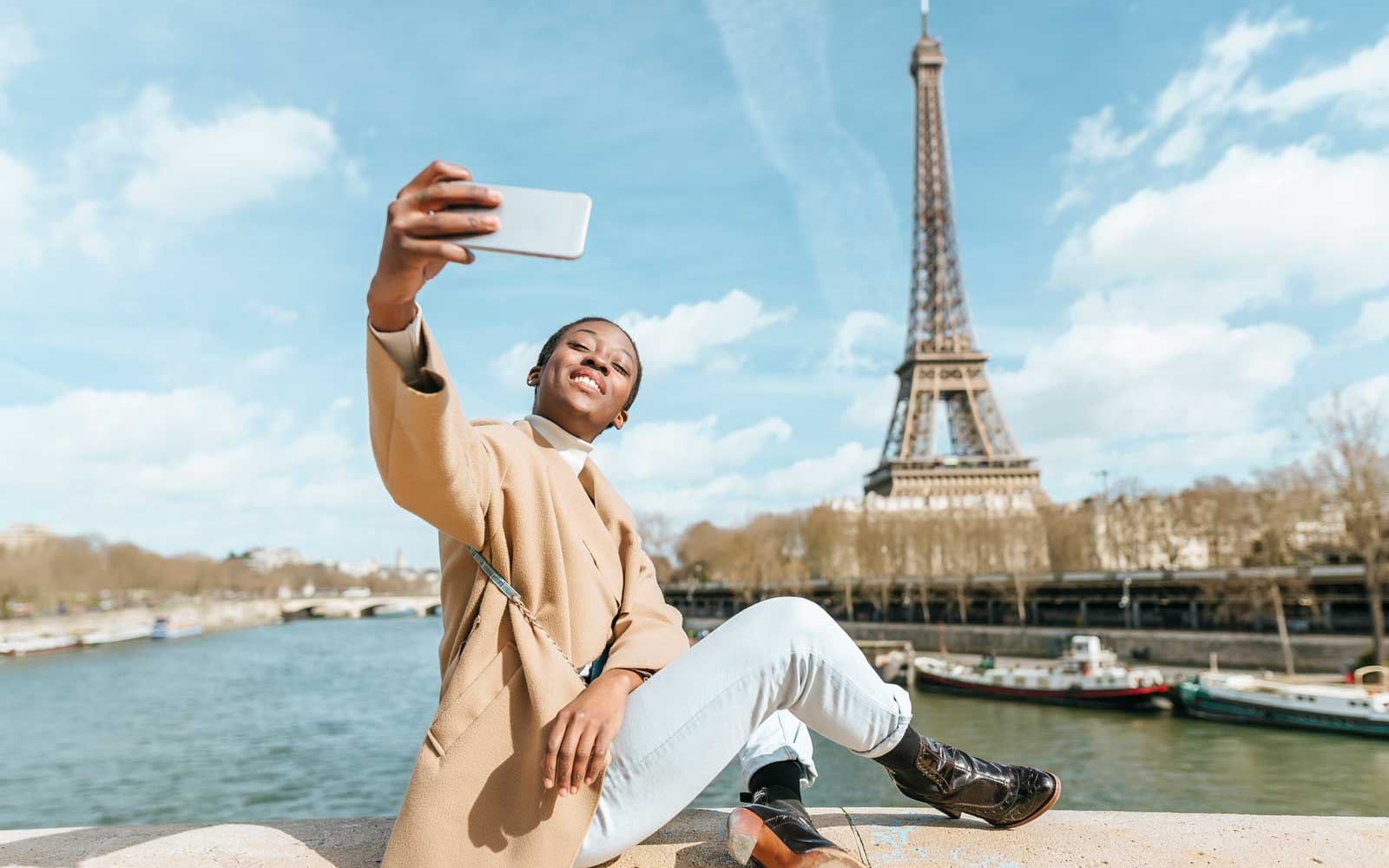 Would You Rather Travel With Your Phone Than a Friend? Maybe It's Time for  a 'Mobilemoon' | Travel + Leisure