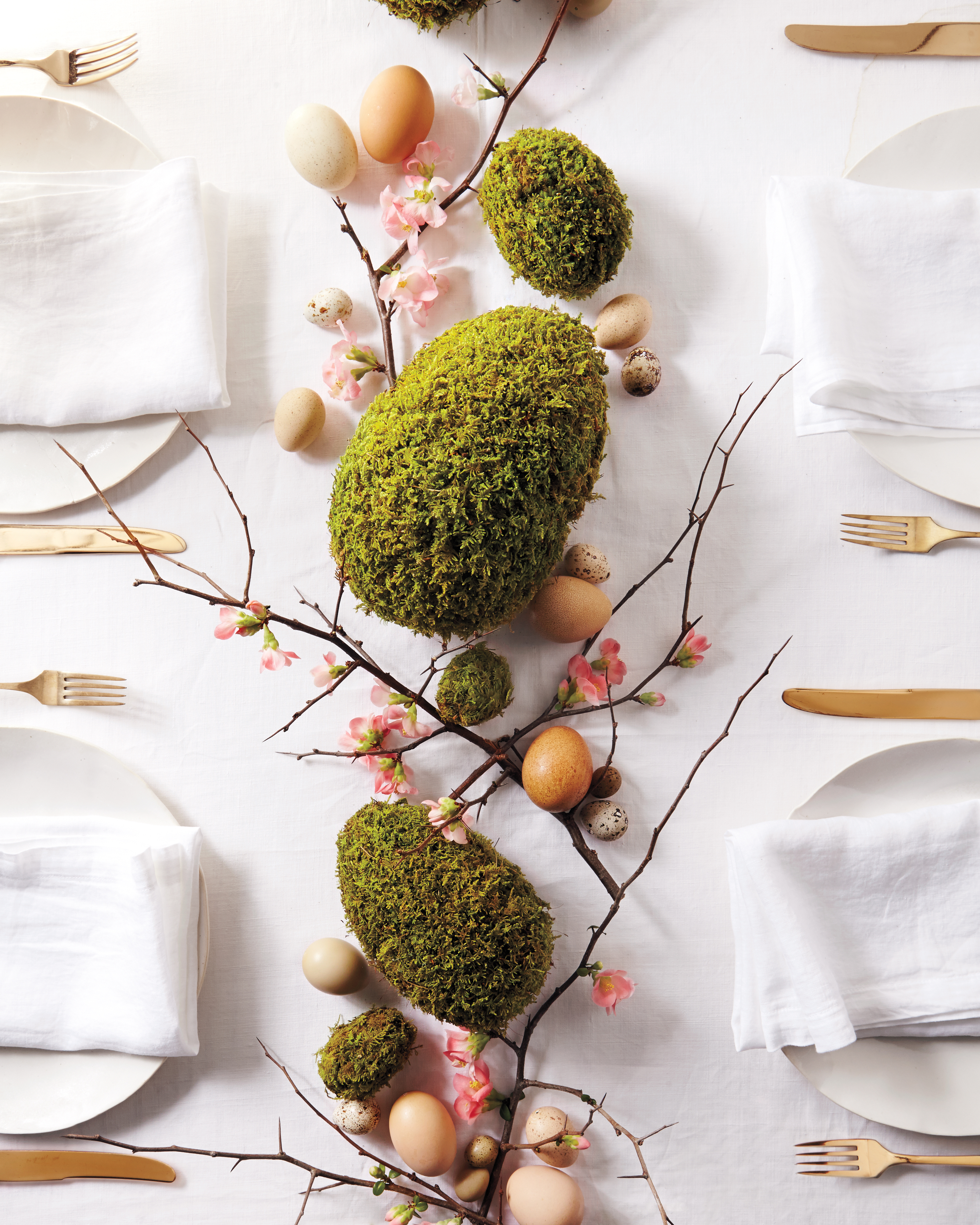 22 Beautiful Easter and Spring Centerpieces