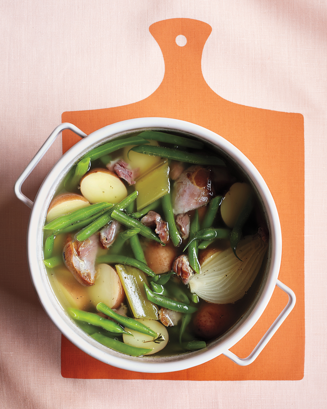 green-beans-with-potatoes-and-ham-m109160.jpg