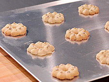 Baking Sheets 101: The Difference Between Cookie Sheets and Baking Pans