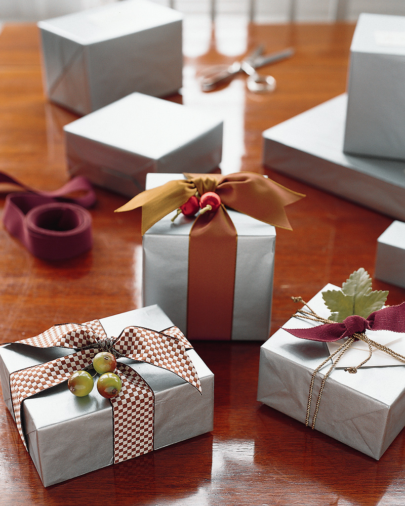 Gift-Wrapping Tips and Techniques | Martha Stewart