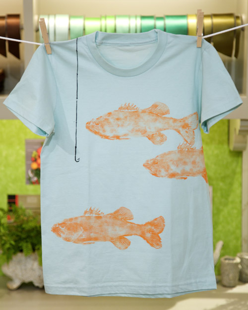 Fish print t shirt step by step diy craft how to s and for Diy screen printing t shirts