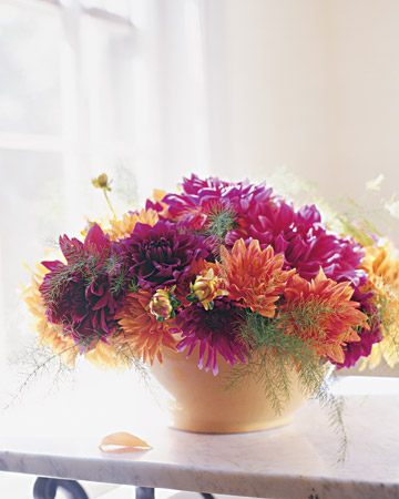Flower arrangements how to and instructions martha stewart for Martha stewart floral arrangements